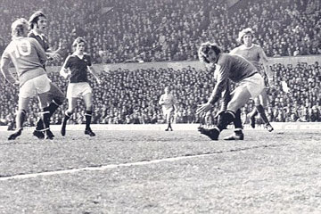 Denis Law backheels United into Division Two
