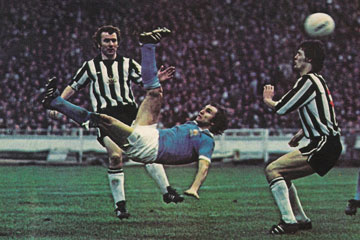 City win the 1976 League Cup final