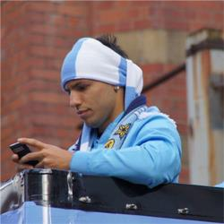 Should Manchester  City keep Sergio Aguero?