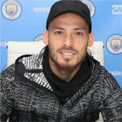 David Silva signs one-year contract extension
