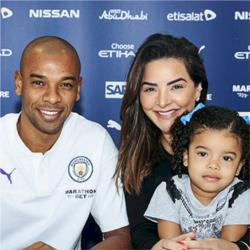Fernandinho signs one-year contract extension
