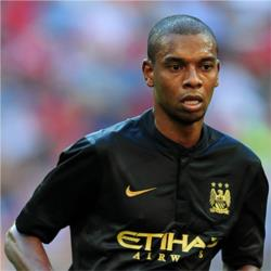 Fernandinho named Bluemoon Player of the Month for December