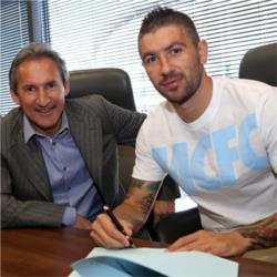 Kolarov agrees contract extension